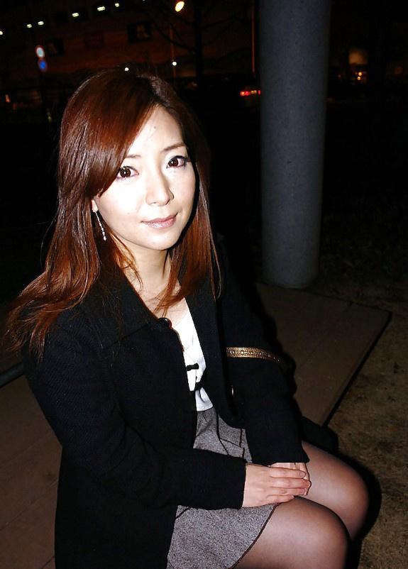 Japanese milf show herself in public n°5