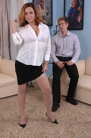 MILF Rebecca Bardoux teases her son with hot panty upskirt n°4