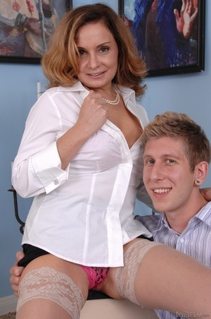 MILF Rebecca Bardoux teases her son with hot panty upskirt n°15