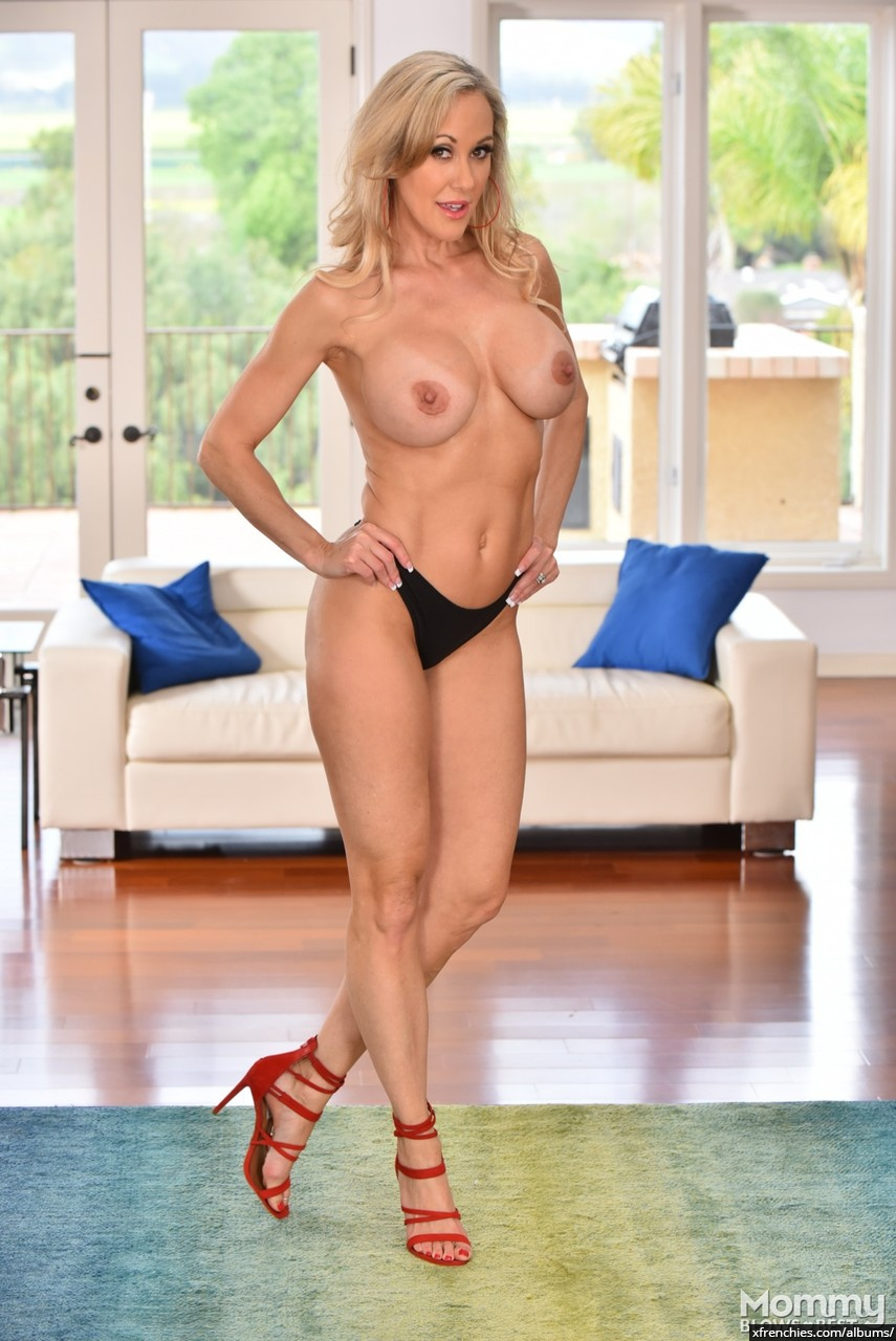 Brandi Love in need of fresh dick n°6