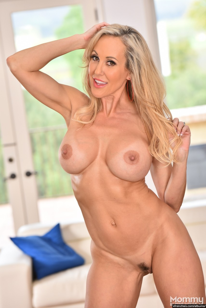 Brandi Love in need of fresh dick n°9