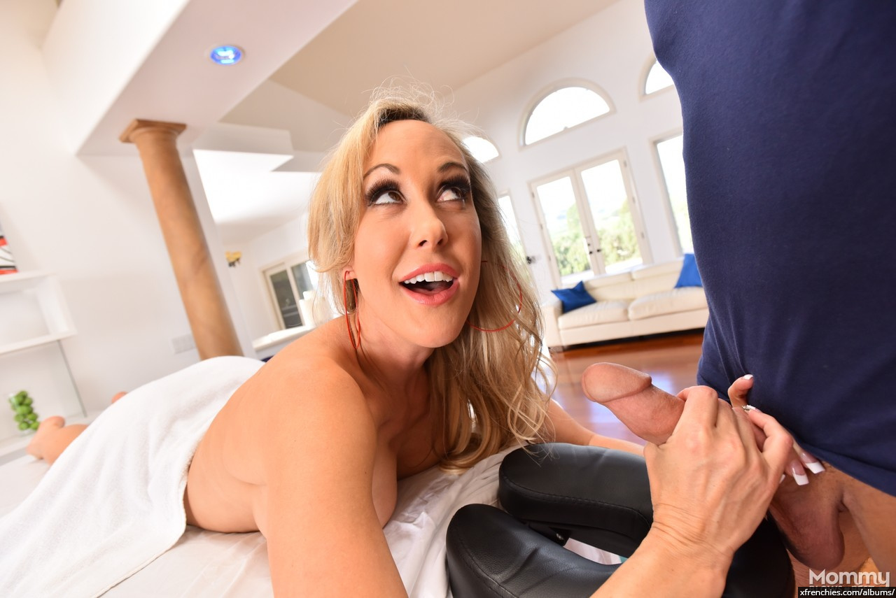 Brandi Love in need of fresh dick n°11